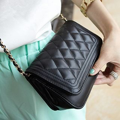 Diamante - Quilted Chained Shoulder Bag