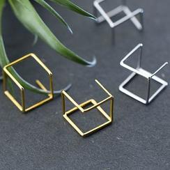 A'ROCH - 3D Cube Earrings