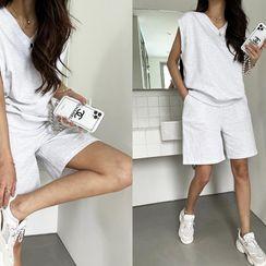 NANING9 - Vest & Shorts Mélange Sweatsuit Set