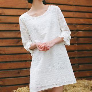 Wapiti - 3/4-Sleeve Embroidered Mini Shift Dress