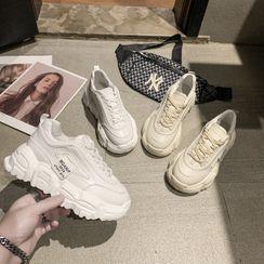 Chunki - 字母厚底休閒鞋