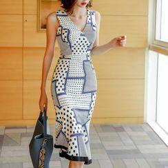 Aurora - Sleeveless Dotted Midi Mermaid Dress