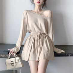 ever after - Wide-Neck Long-Sleeve Loose T-Shirt / Pleated Wide Shorts