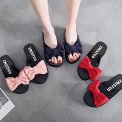 Meguro - Bow Applique Wedge-Heel Platform Flip-Flops
