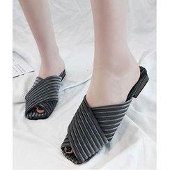 Musva - Cross Strap Slide Sandals