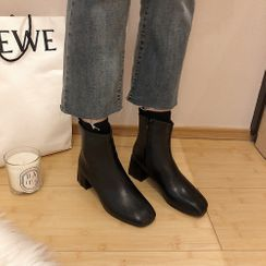 Queen Zoo - Block Heel Short Boots