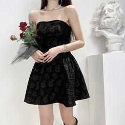 Sereni - 花朵圖案無肩帶迷你A字連衣裙