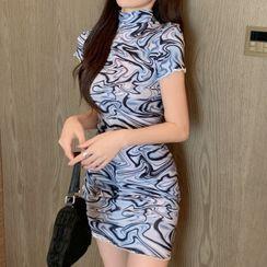 Letme - 盖袖印花小高领迷你塑身连衣裙