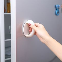 Whirlz - Adhesive Furniture Handle