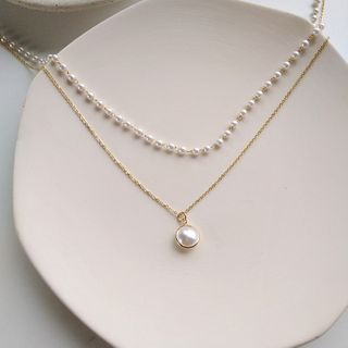 Isle of Green - Faux Pearl Layered Necklace