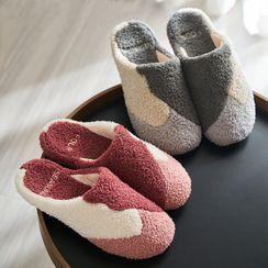 Furana(フラナ) - Fleece Home Slippers