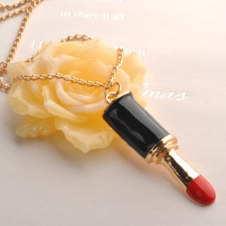 Fit-to-Kill - Lipstick Necklace