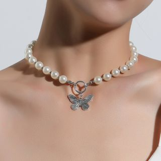YASIN - Faux Pearl Butterfly Pendant Necklace