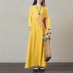 Ebbie - Patterned Long-Sleeve Maxi Dress / Scarf