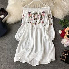 Yearnin - Long-Sleeve Floral Embroidery A-Line Dress