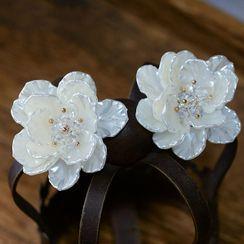 Ashmi - Flower Clip-On Earring