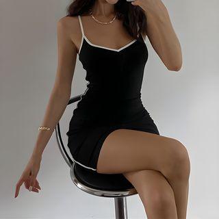 Kobeque - 細肩帶配色邊迷你塑身連衣裙