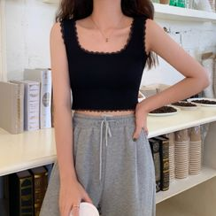 TriStyle - Lace Trim Cropped Tank Top