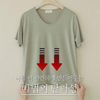 CLICK - Basic V-Neck Silky T-Shirt