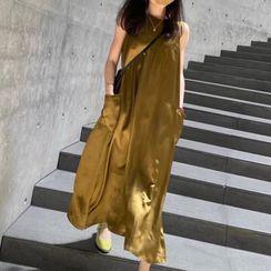 Apotheosis - Sleeveless Midi Shift Dress