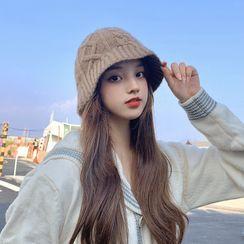 Nikifa - Cable Knit Cloche Hat