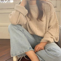 Cerauno - Cable Knit Sweater