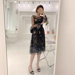 Chlo.D.Manon - Tulle-Yoke Pattern Dress
