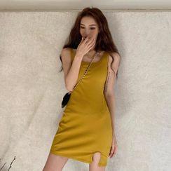 BBChic - 罗纹迷你针织背心连衣裙
