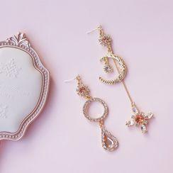 Dashiro - Non-matching Rhinestone Moon & Star Dangle Earring