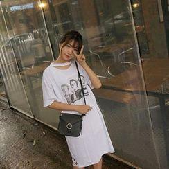 時尚麻豆家 - 鏤空印花短袖連衣裙
