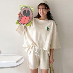 Seoul Fashion(ソウルファッション) - Dinosaur Embroidery T-Shirt & Sweatshorts Set