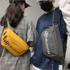 SUNMAN(サンマン) - Lettering Zip Sling Bag
