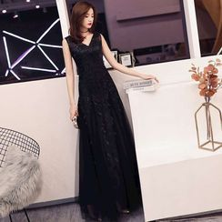 Remme - Sleeveless Lace A-Line Evening Gown