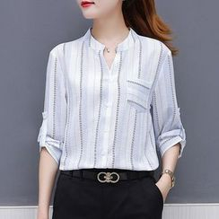 In the Mood(インザムード) - V-Neck Elbow-Sleeve Shirt