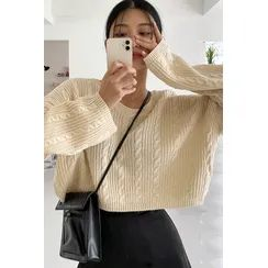 SIMPLY MOOD - Oversized Cable-Knit Crop Top