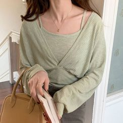 monroll - Set: Long-Sleeve V-Neck Knit Top + Camisole Top