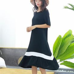 Lacyland - Contrast Trim Short-Sleeve Midi A-Line Dress