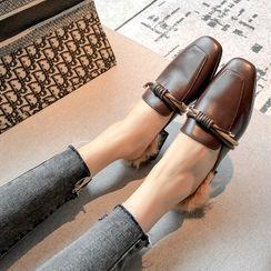 Gillaro - 粗跟平跟船鞋涼拖