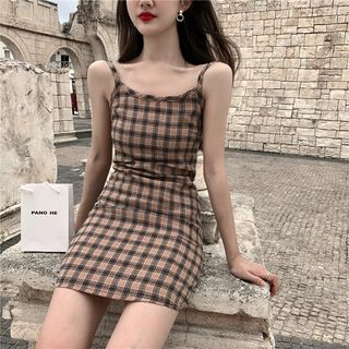Alfie - Plain Short-Sleeve T-Shirt / Plaid Slim-Fit Sleeveless Dress