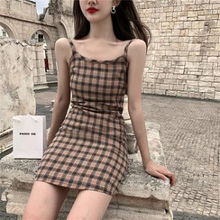Alfie - Plain Short-Sleeve T-Shirt / Plaid Slim-Fit Sleeveless Dress