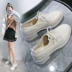 Yuki Yoru - Paneled faux Leather Lace-Up Shoes