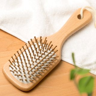 Home Simply - Wooden Hair Brush