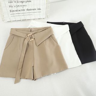 Pinatra - Plain High Waist Shorts With Belt