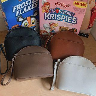 MERONGSHOP - Zipped Shoulder Bag with Wristlet Strap