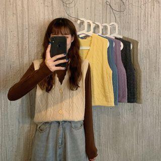 Sisyphi(シシピ) - Knit Vest / Mock-Neck Knit Top