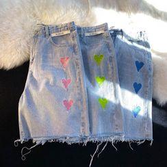 JUN.LEE - Heart Embroidered Denim Shorts