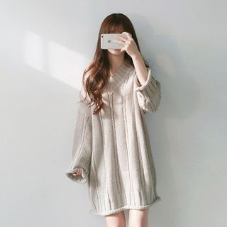Peachton - V-Neck Mini Sweater Dress
