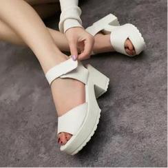 QQ Trend - Sandalias de plataforma con tiras adhesivas