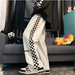 Kimeya - Checkerboard Panel Lettering Straight Leg Sweatpants