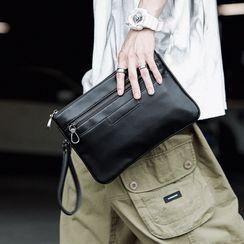 ETONWEAG(エトンウィーグ) - Faux Leather Clutch